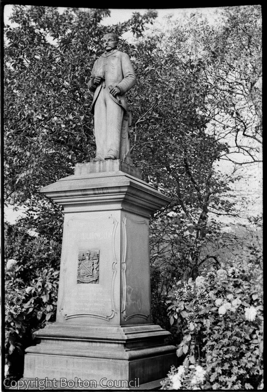 Statue, Queen's Park