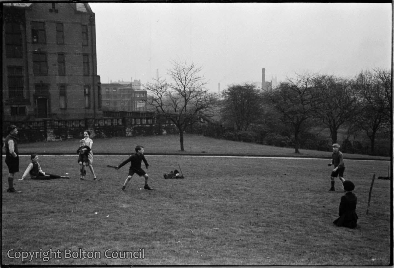 Bat and Ball, Queen's Park